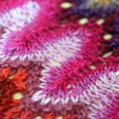 Ravelry: Petal Cowl pattern by Xandy Peters