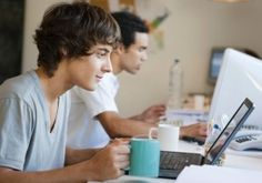 6 Things you Must Do to Get your 1st Job after College : Create a LinkedIn Profile. Establish a presence on WordPress or through your own blog. Get an internship as early as possible. Get creative about finding a mentor. Use your school's career services office. Join a professional development or industry-specific group