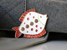 Vintage russian brooch from USSR. $8.50, via Etsy.