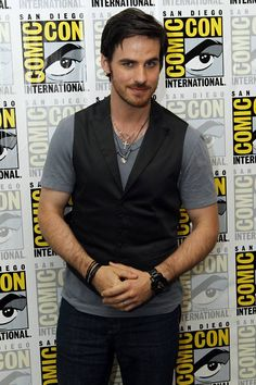 hooks, comiccon 2013, once upon a time captain hook, comic con, diego comiccon, men, pictur captain, comiccon2013, colin odonoghu