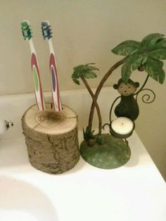 Rustic Toothbrush Holder Personalized by DeerwoodCreekGifts, $20.00