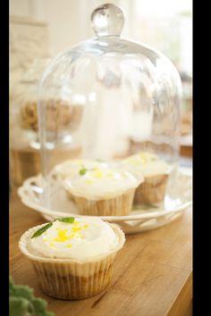 decoración de mesas de navidad por los mejores caterings: cupcakes de zanahoria