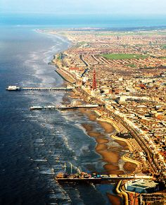 airborne blackpool by silyld, via Flickr http://www.uk-tefl-local.com #blackpool