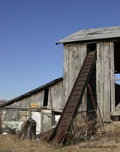 Nifty Old Barns ~ Now That's Nifty