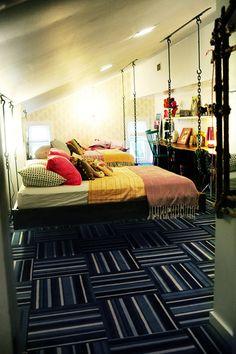 hanging beds. Omg