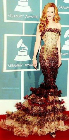 Nicole... gorgeous! Love a great mermaid gown!