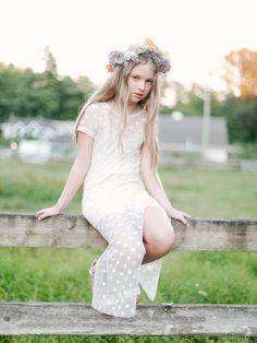 Vintage flower girl dress: http://www.stylemepretty.com/canada-weddings/2014/10/28/diy-vintage-bohemian-farm-wedding/ | Photography: Lauren Kurc - http://www.laurenkurc.com/