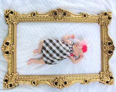 frame prop for baby pics via littlelovables