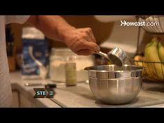 How To Make a 5-Minute Microwave Chocolate Cake