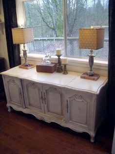 reclaimed stereo cabinet - clever and cute!