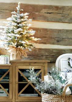 decorating for Christmas...farmhouse glam style!