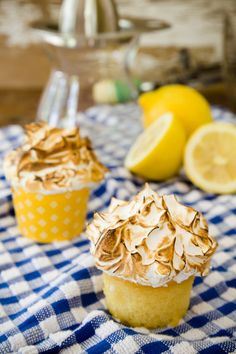 Mile-High Lemon Meringue Cupcakes | Recipe by @cupcakeproject