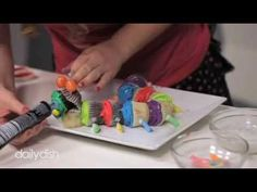 Make a Caterpillar Out of Cupcakes - Daily Dish - YouTube