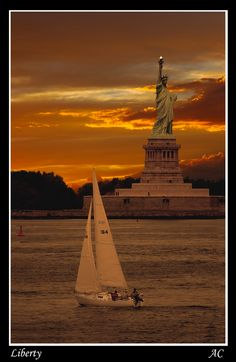 New York City Harbour - Statue of Liberty