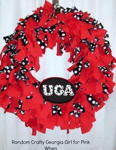 A DIY College Football Fabric Wreath! Super cute way to show your school spirit!