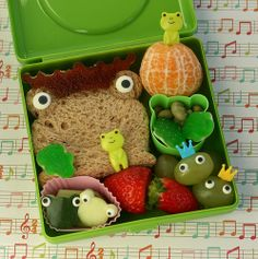 Frog inspired bento lunch! Super cute...