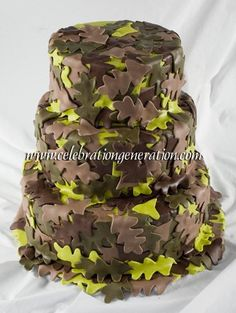 I PROMISED MY GROOM A CAMO WEDDING CAKE.  SERIOUSLY!