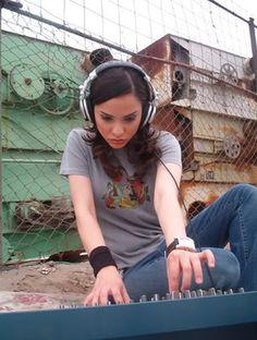 Carolina Limón (Mexican Musician, Dj and Producer)  #style #djs #music #girldjs  #headphones  #housemusic #gig #edm