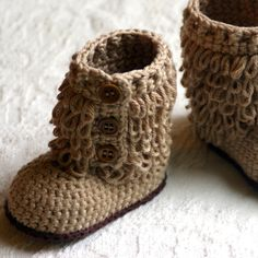 Crochet baby boots want this pattern too cute!