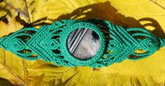Agate bracelet by AlmaArtesania on Etsy.