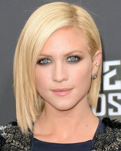 brittany snow, the face, red carpets, short hairstyles, bob hairstyles, thick hair, short bobs, medium hairstyles, brittani snow