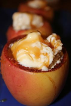 I've died and gone to Heaven! Check out these Cinnamon Sugar Baked Apple Bowls! YUM!