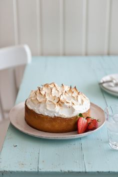 Rhubarb, Strawberry and Tonka Bean meringue pie