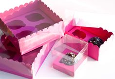 Cupcake boxes to die for ! Visit our website for more cupcake packaging ideas: http://selfpackaging.com/37-cupcakes // #cupcake #cupcakes #cupcakeboxes #cupcakepackaging #fuchsia