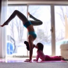 Laura Sykora & Mini www.instagram.com/laurasykora Yoga Inspiration on FB and IG