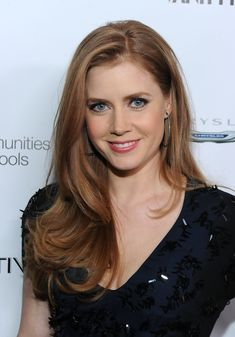 Amy Adams - long hair with side part