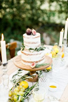 fig topped wedding c