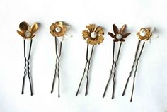 Golden flowers hair pins - white vintage inspired party hairpins. €24,00, via Etsy.