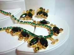 Scrolls & Green Rhinestone Necklace and by bodaciousjewels on Etsy, $55.00 #vjse2 #vintage #jewelry #boebot2