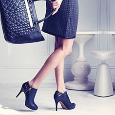 """This """"quilted pleasure"""" has been showing up everywhere this season in shoes, boots and bags! Tell us, how will you be wearing the quilted textile this fall?   @vincecamuto"""