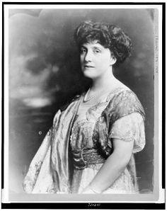 Author Mary Roberts Rinehart
