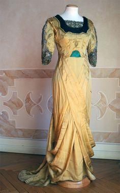 Evening dress, circa 1912, Abiti Antichi