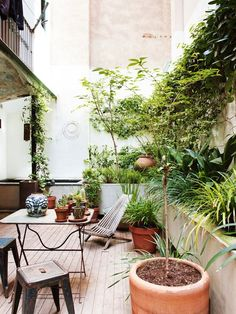 Bright & Cozy Barcelona Home #outdoorspace #homedecor #interiordesign