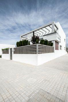 #Minimalist Home Design in #Grey and #White : #Residence V02 - #InteriorDesign #DesignHomes #HouseDecorations #ModernInteriors #walldecoration #decorationhouse #homesdecoration