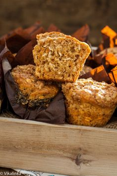 Healthy Oatmeal and Carrot Muffins