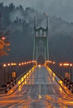 St. Johns Bridge, Portland, Oregon, U.S (by Russell Flynn Photography on Flickr)