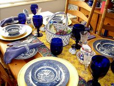 Blue and White Table Setting by SofiaAmbrosia, via Flickr