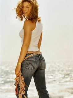 beaches, squat, smoking, full body, jessica biel, jeans, beach bodies, blog, body shapes