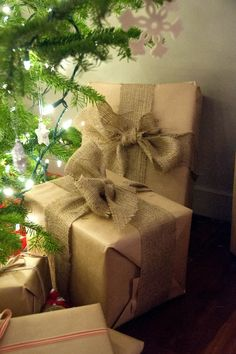 Merry Christmas! Kraft and burlap strapping for wrapping in 2012...    #burlap #bow #gift wrapping #christmas