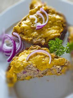 Tuna Melt - A delicious easy peasy and cheesy tuna melt, great for lunch! - www.fishisthedish.co.uk/recipes/tuna-melts