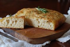 Focaccia made with only 5 minutes of prep time.