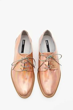 rose gold iridescent oxfords. and grey laces. hot.