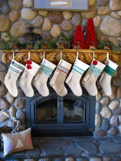 Green and Red Burlap Christmas Stockings from Pink Slip Inspiration.