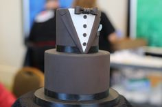 This groom's cake from the Orlando Perfect Wedding Guide Wedding Show is just the most fabulous thing ever! I can think of several groom's that would be stoked to get this #cake! #wedding #bridal #cakes