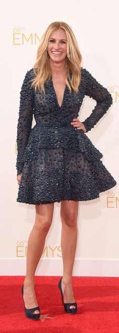 Julia Roberts has never looked so gorgeous in this Elie Saab number at the Emmys!