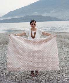 No-sew waterproof picnic blanket